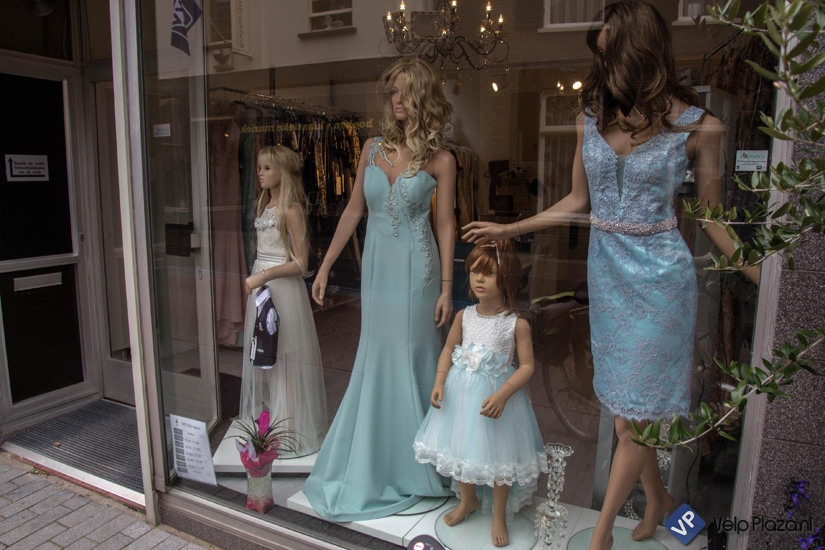 Nieuw in Velp Anna Bella Dresses